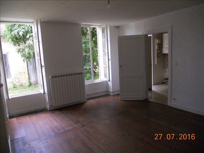 Location appartement Blaye 445€ CC - Photo 2