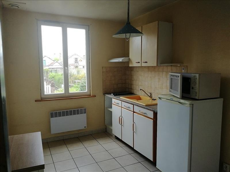 Rental apartment Chateau renault 323€ CC - Picture 1