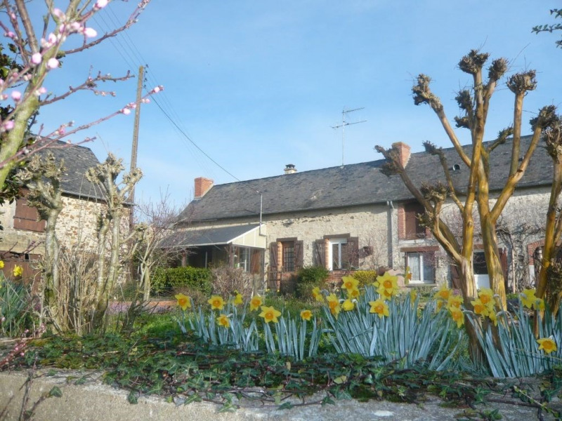 Sale house / villa Ballee 53340 val du maine 89 000€ - Picture 1