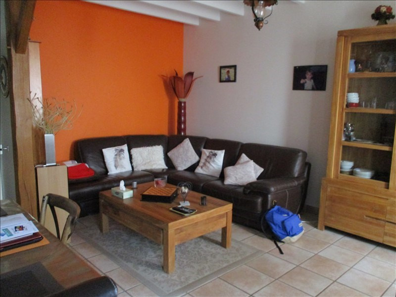Rental house / villa St jean d angely 590€ CC - Picture 3