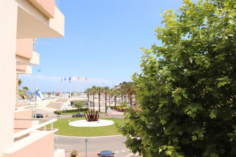 Location appartement Cavalaire sur mer 664€ CC - Photo 1