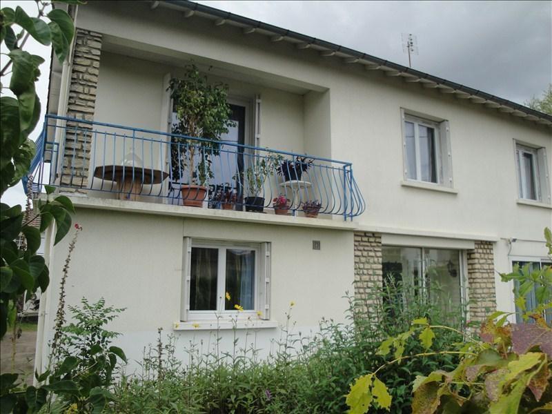 Sale building Niort 220000€ - Picture 1