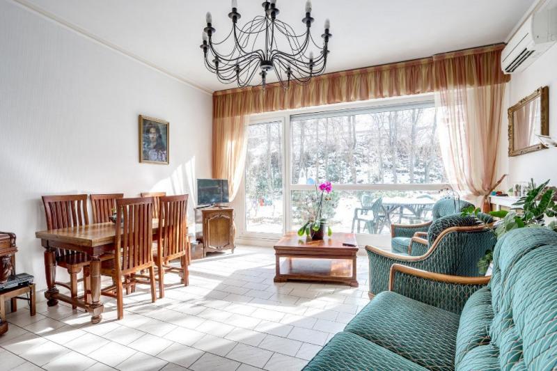 Sale apartment Courbevoie 894400€ - Picture 2
