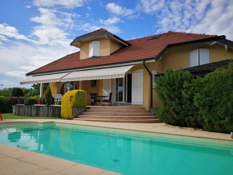 Deluxe sale house / villa Cranves-sales 680 000€ - Picture 1
