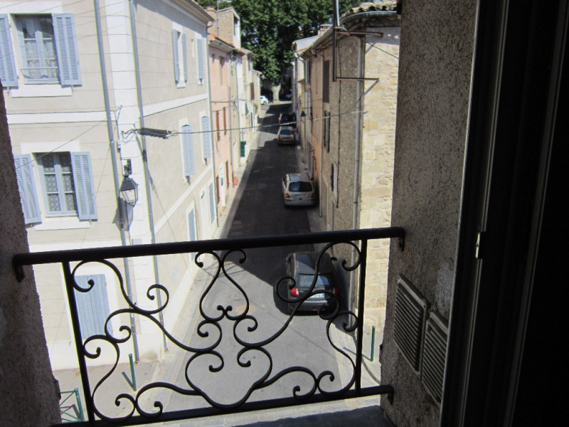 Location appartement Lambesc 550€ CC - Photo 1