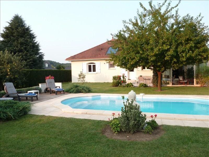 Sale house / villa Assat 330000€ - Picture 1