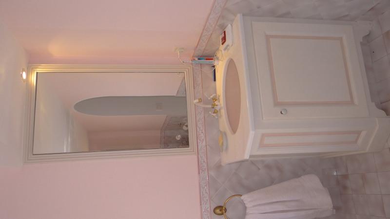 Vacation rental house / villa Cavalaire sur mer 4200€ - Picture 11