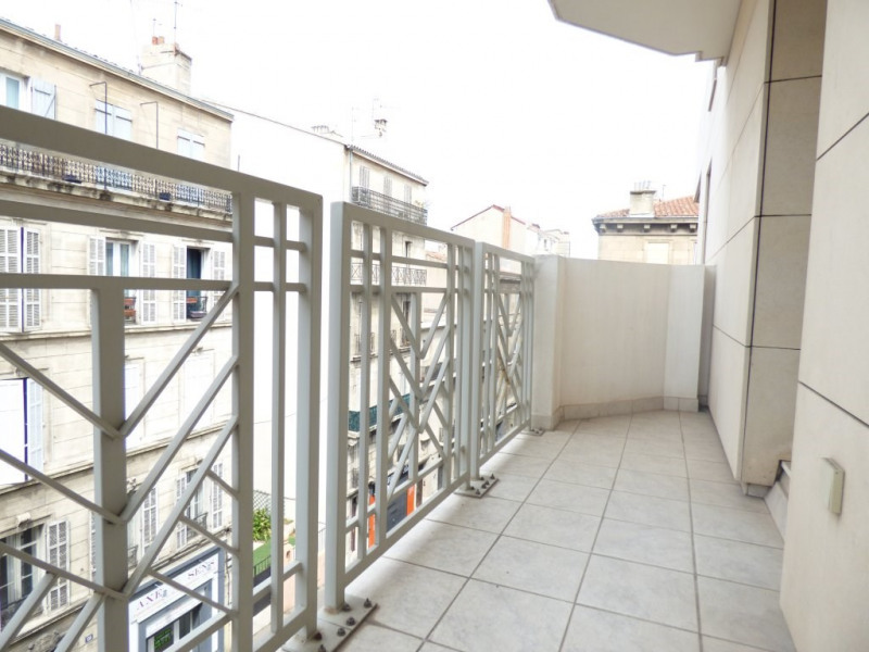Sale apartment Marseille 6ème 99 000€ - Picture 2