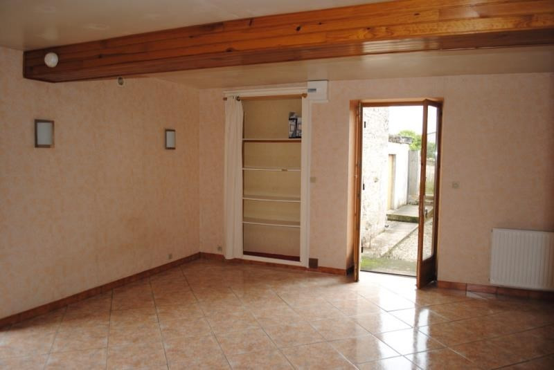 Rental apartment Maligny 380€ CC - Picture 2
