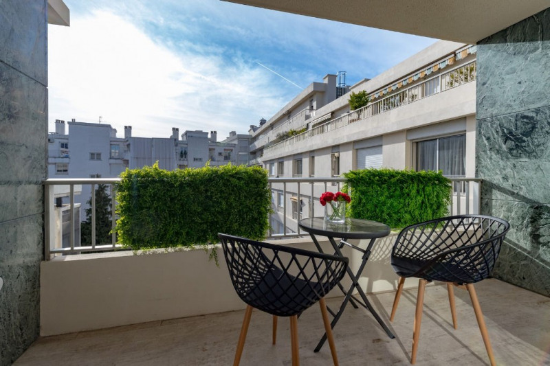 Deluxe sale apartment Nice 690 000€ - Picture 2