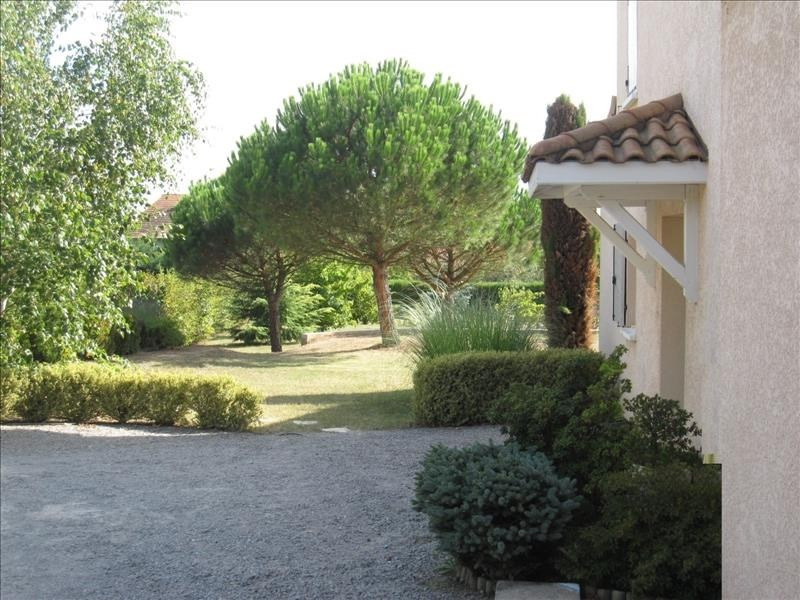 Vente maison / villa Roussillon 318 000€ - Photo 2