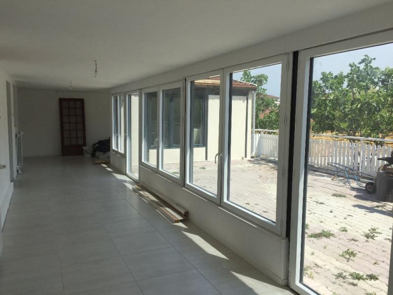 Sale house / villa Bourgoin jallieu 212000€ - Picture 2