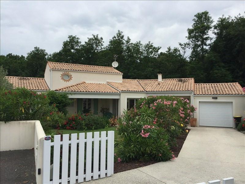 Deluxe sale house / villa St palais sur mer 553850€ - Picture 1