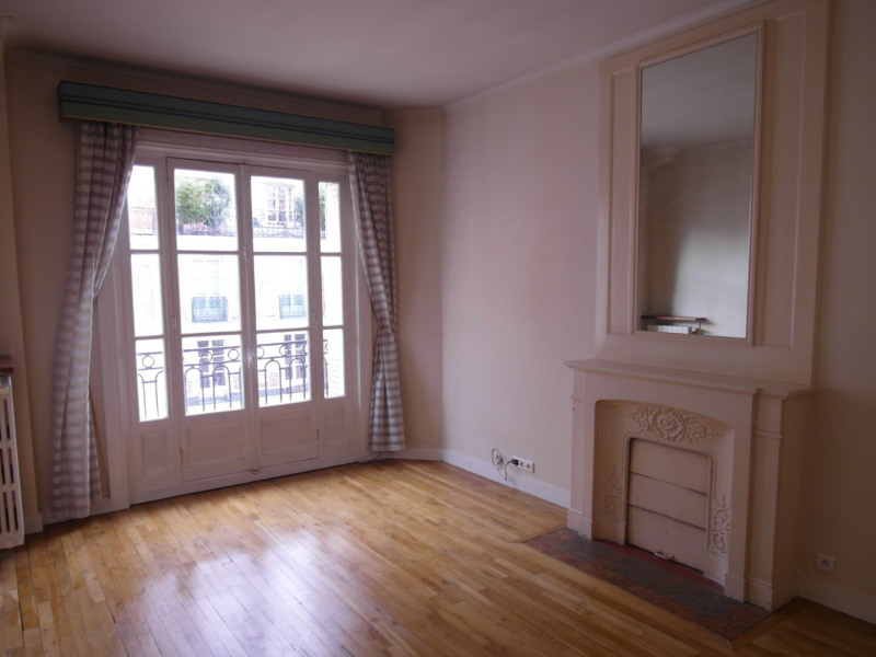 Rental apartment Paris 16ème 2250€ CC - Picture 2