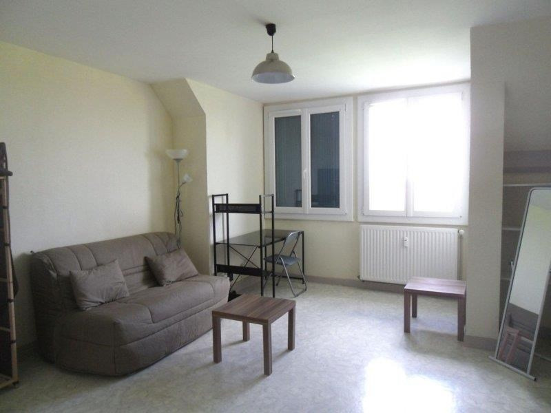 Location appartement Troyes 353€ CC - Photo 1