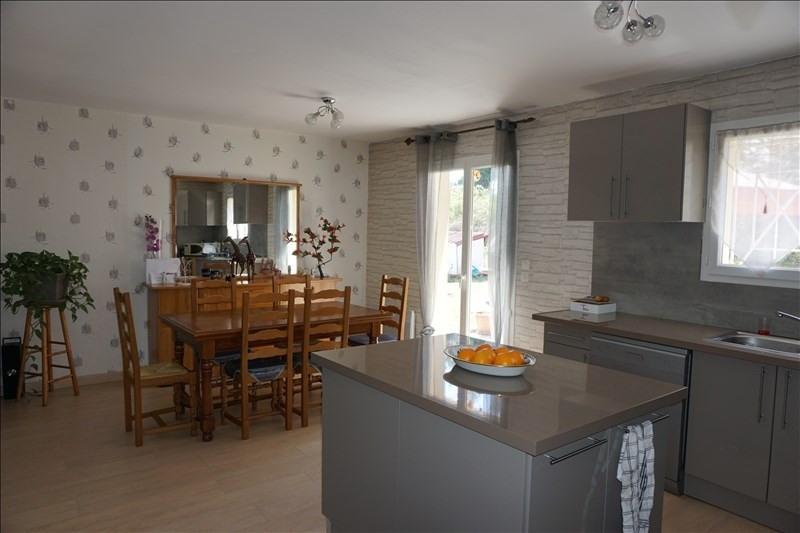 Sale house / villa St yzan de soudiac 184000€ - Picture 5