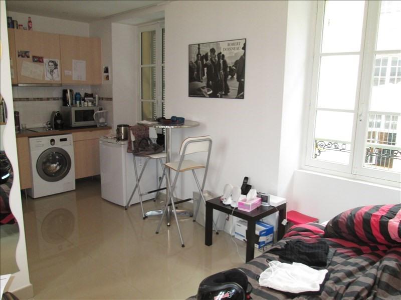 Rental apartment Versailles 761€ CC - Picture 1
