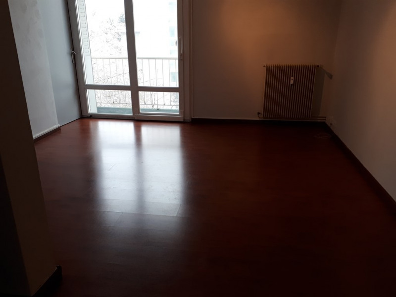 Rental apartment Annecy 865€ CC - Picture 3