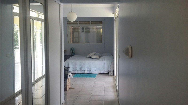 Sale house / villa St claude 535 000€ - Picture 5