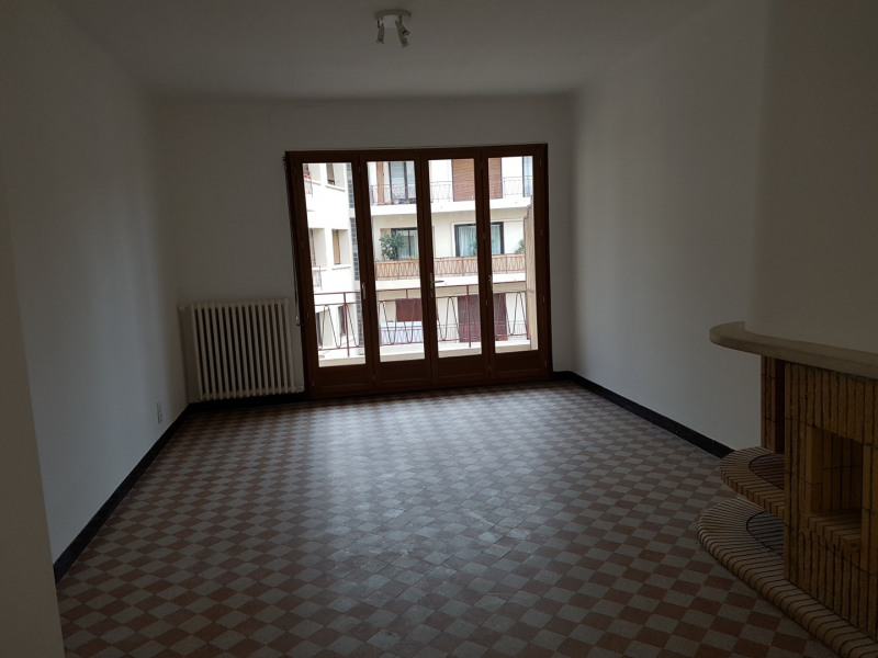 Location appartement Aix-en-provence 972€ CC - Photo 1