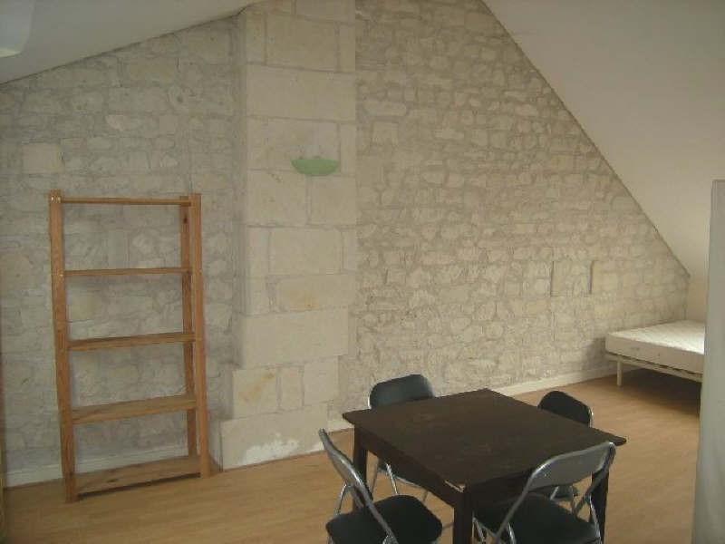 Location appartement Chatellerault 273€ CC - Photo 1