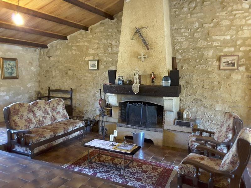 Sale house / villa Tavel 265000€ - Picture 2