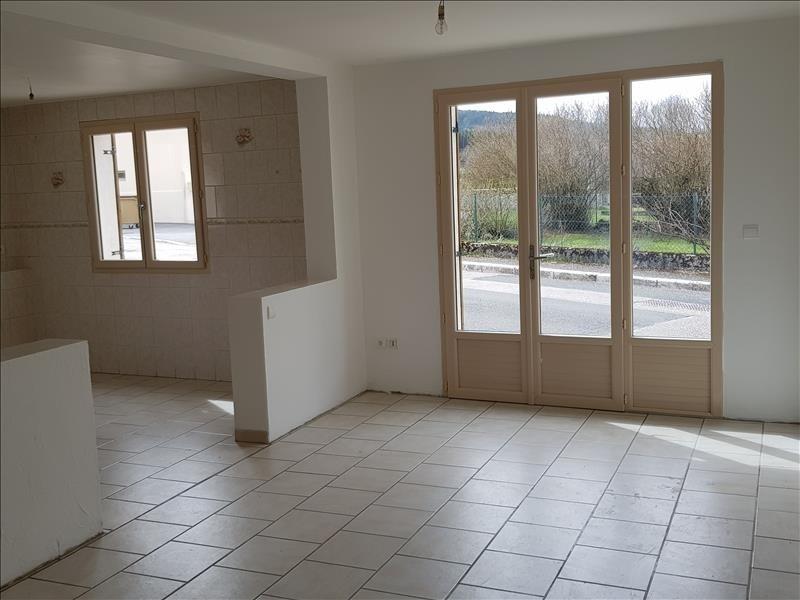 Location maison / villa Saint martin du fresne 850€ CC - Photo 5