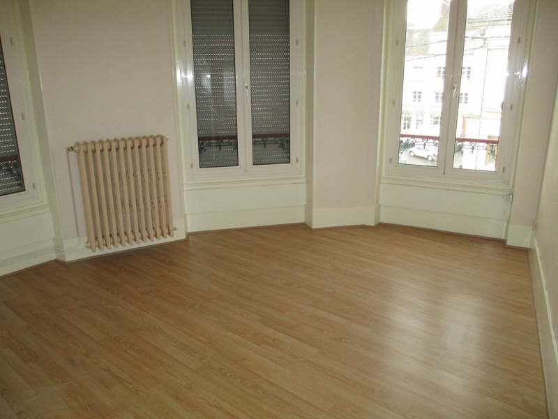 Rental apartment Neuilly en thelle 610€ CC - Picture 2