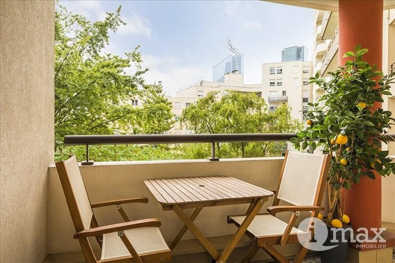 Sale apartment Courbevoie 546 000€ - Picture 1
