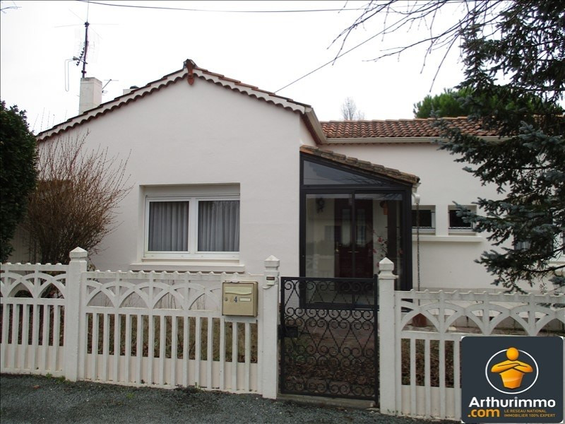 Sale house / villa St jean d angely 117 150€ - Picture 1