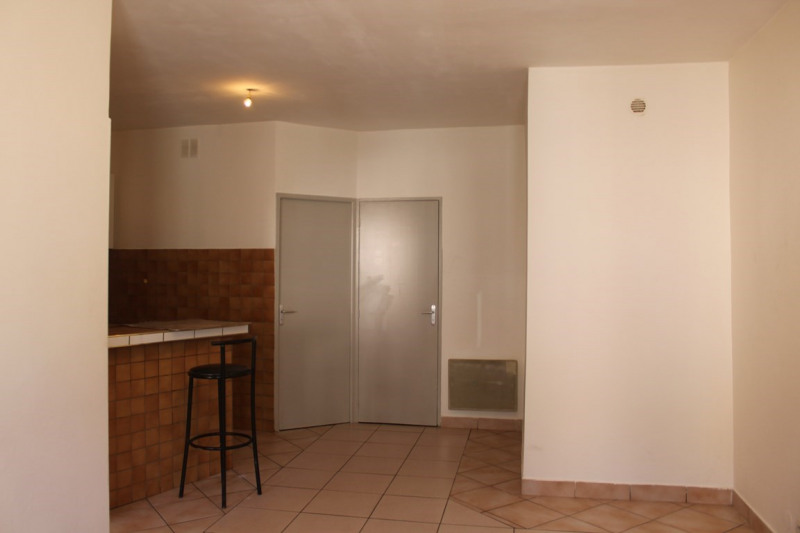 Location appartement Saint-just-saint-rambert 390€ CC - Photo 1