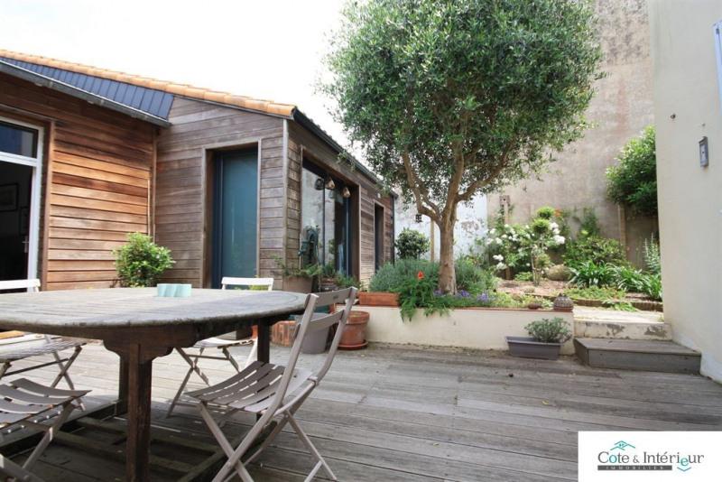 Deluxe sale house / villa Les sables d olonne 625000€ - Picture 2