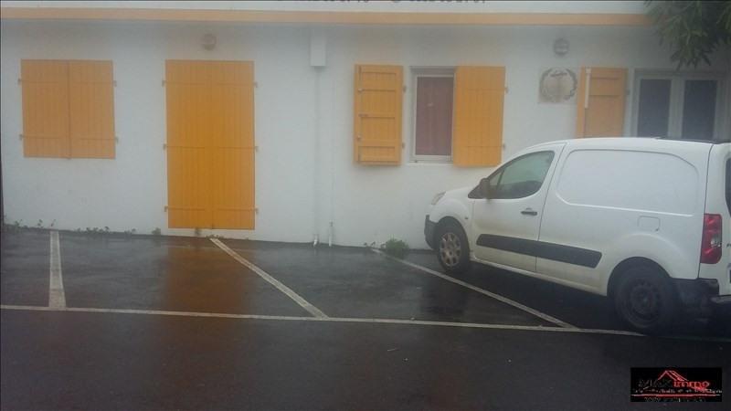 Location local commercial La riviere 1500€ HT/HC - Photo 3