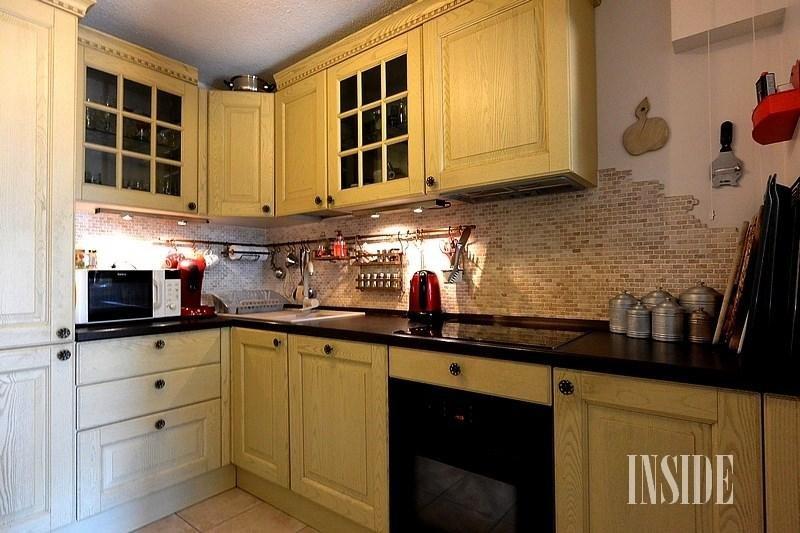 Sale apartment Collonges 285000€ - Picture 1