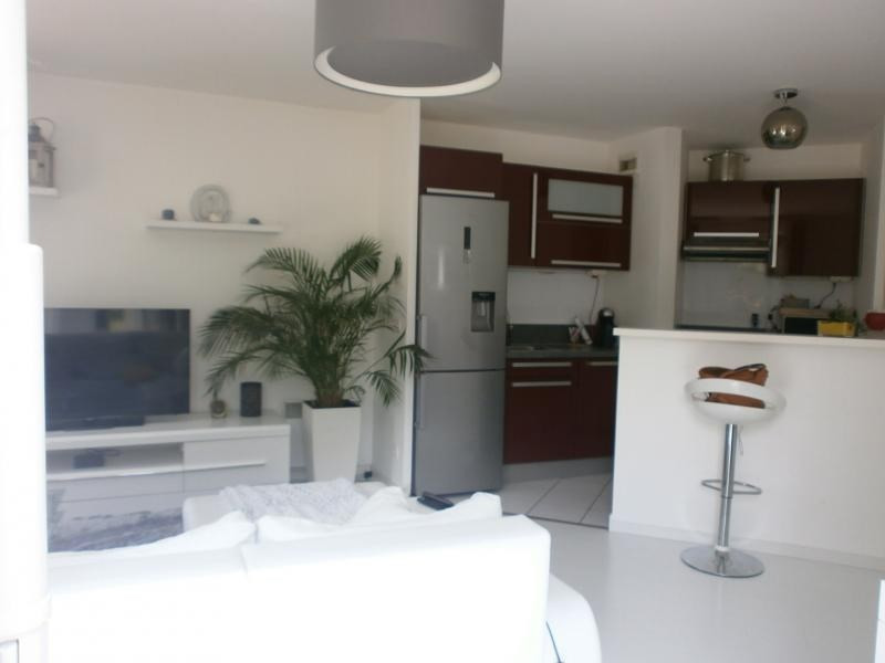 Deluxe sale apartment Epone 200 000€ - Picture 1