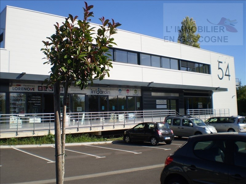 Location local commercial Auch 2 390€ HT/HC - Photo 2