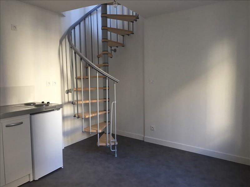 Sale apartment Bougival 112 000€ - Picture 1