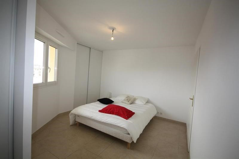 Sale apartment Juan les pins 435000€ - Picture 3