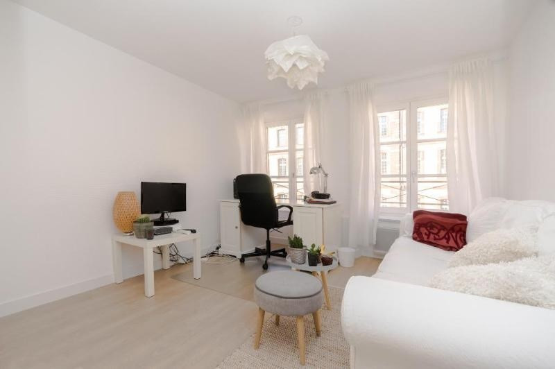 Location vacances appartement Strasbourg 585€ - Photo 2