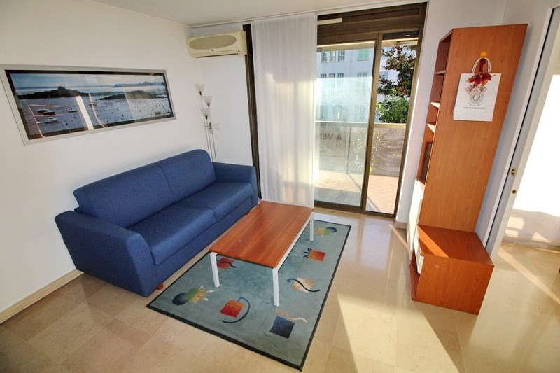 Sale apartment Nice 260000€ - Picture 1