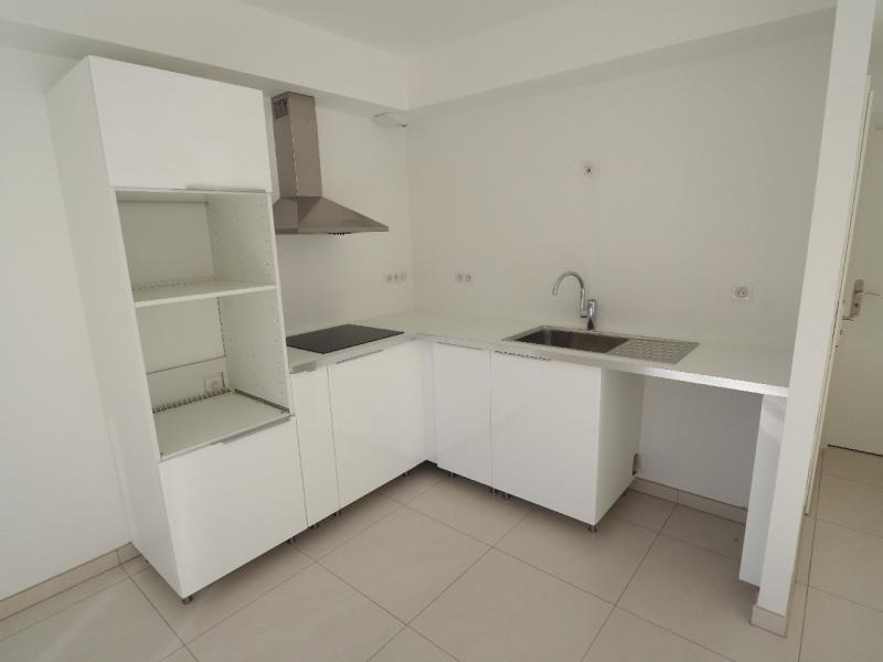 Rental house / villa La rochette 1700€ CC - Picture 3