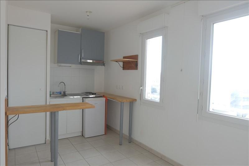 Rental apartment Marseille 5ème 490€ CC - Picture 2