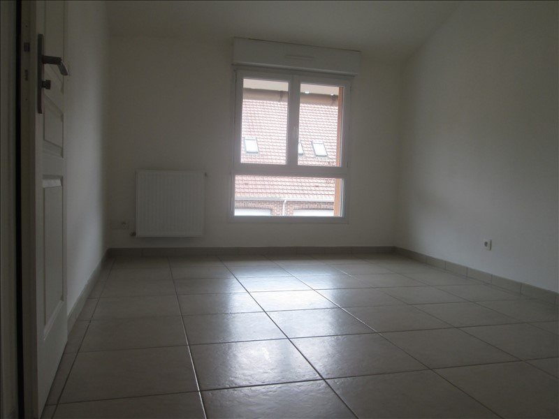 Rental apartment Lestrem 710€ CC - Picture 4