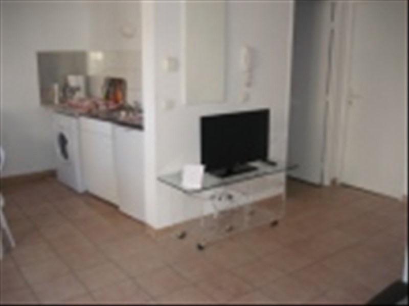 Verhuren  appartement Marseille 1er 595€ CC - Foto 5