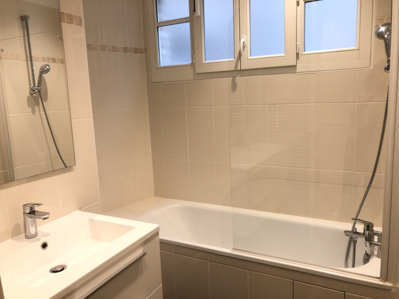 Rental apartment Neuilly-sur-seine 3610€ CC - Picture 9