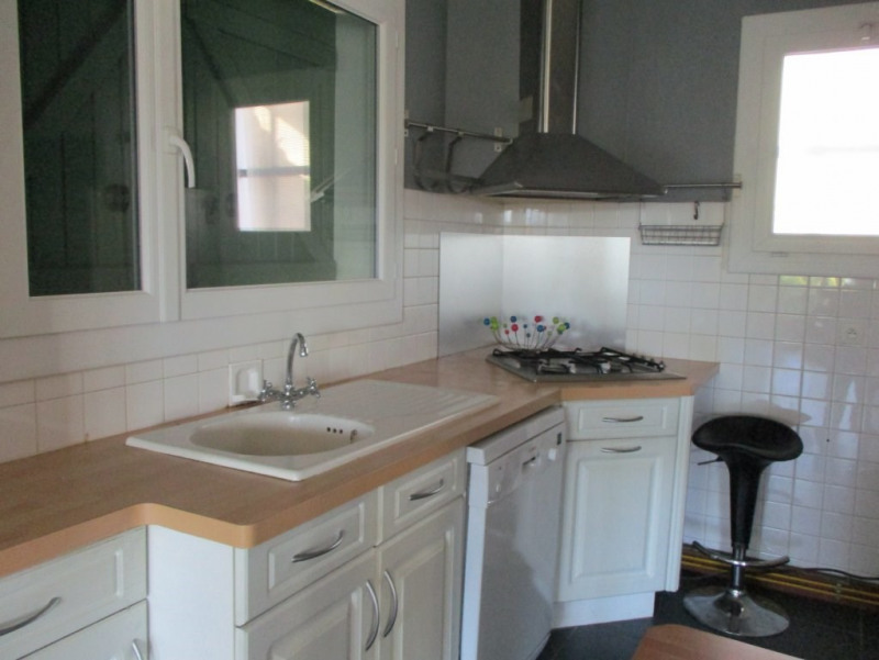 Location maison / villa L'isle-d'espagnac 700€ CC - Photo 5