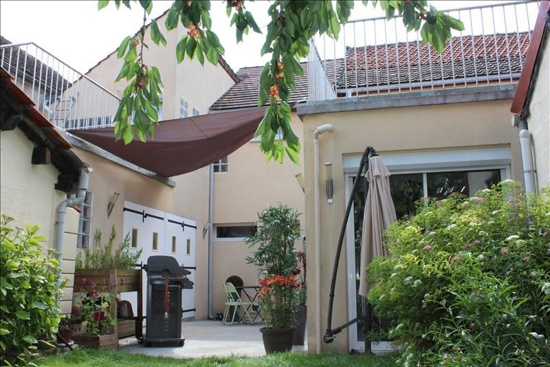 Deluxe sale house / villa Villeroy 357000€ - Picture 1