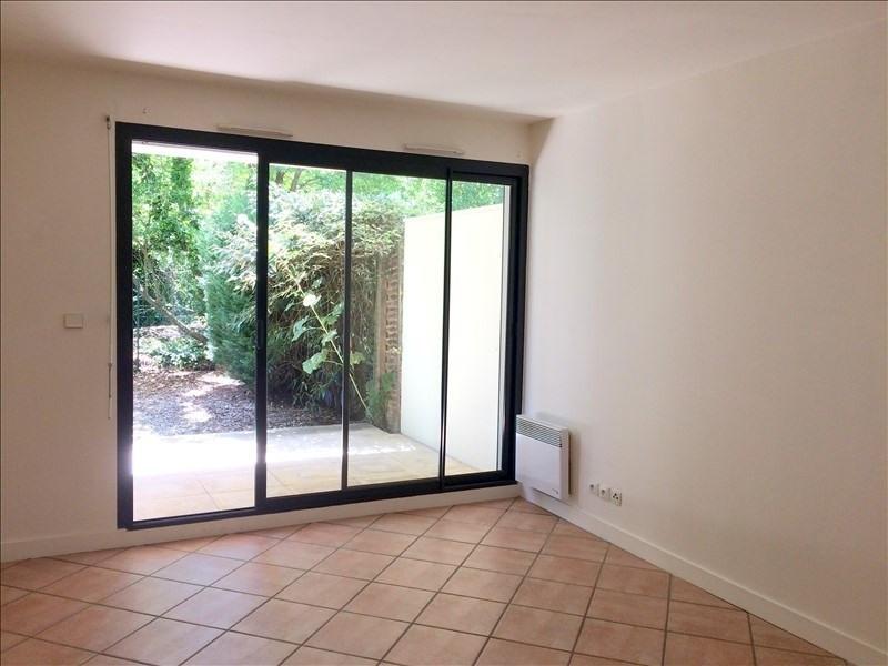 Location appartement La rochelle 419€ CC - Photo 1