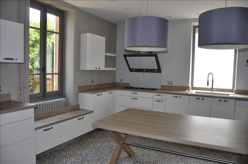 Sale house / villa Villefranche sur saone 490000€ - Picture 3