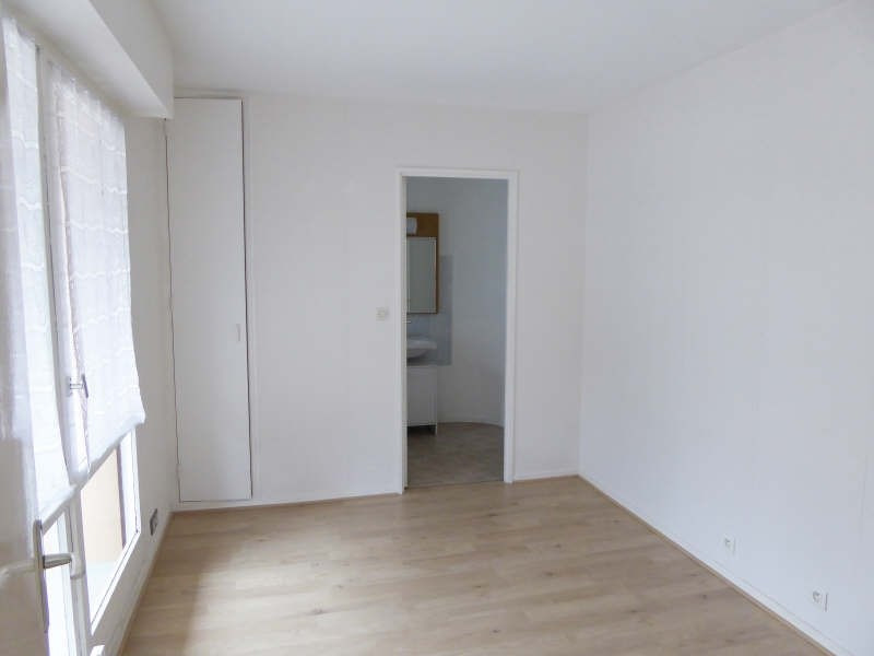 Location appartement Elancourt 813€ CC - Photo 4